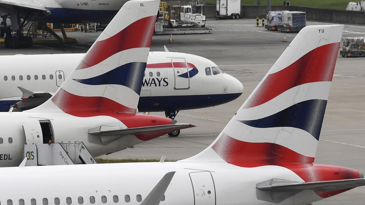 NUEVA CEPA | España prórroga hasta el 19 de enero la suspensión de vuelos  desde Reino Unido