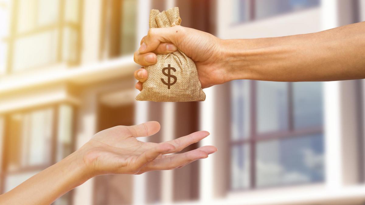 El dinero que puedes dar a otra persona sin pagar el Impuesto de Donaciones
