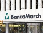 Entrada edificio Banca March