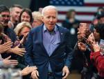 Joe Biden asume la presidencia de una democracia dañada