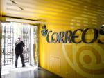 Foto interior oficina Correos / EFE