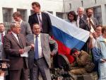 El expresidente Borís Yeltsin, tras un intento de golpe de Estado en 1991