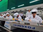 Foxconn, fabricante de los iPhones e iPads, sube los sueldos en China