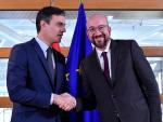 Pedro Sánchez en Bruselas con el presidente de la CE Charles Michel