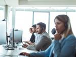 Fotografía de trabajadores de atención al cliente. Los técnicos de atención al cliente están entre los empleos más demandados en 2020.