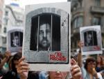 Centenares de personas cortan la céntrica Via Laietana de Barcelona en protesta por la sentencia del procés