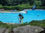 La piscina como símbolo de desigualad
