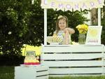 Los pequeños en Estados Unidos suelen vender limonada para 'aprender' a ser emprendedores
