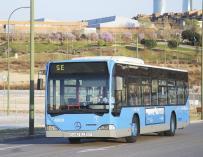 Imagen de archivo de un autobús de servicio especial de la EMT AYUNTAMIENTO DE MADRID   (Foto de ARCHIVO) 25/6/2021