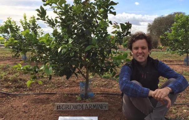 Gonzalo Úrculo, cocreador de Naranjas del Carmen, pretende reducir el despilfarro de comida gracias al crowdfarming. (Naranjas del Carmen)