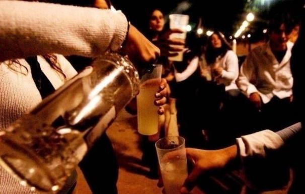 Psicólogos ponen en marcha una iniciativa piloto en las fiestas de Urduliz para tratar el botellón entre jóvenes