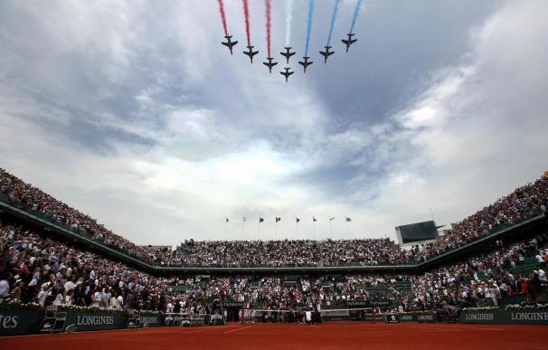 La patrulla militar sobrevuela Roland Garros