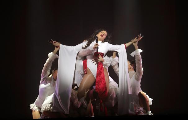 La cantante Rosalía ofrece en Madrid su primer concierto en el WiZink Center y el último en España de su actual gira. /EFE/ Juanjo Martin
