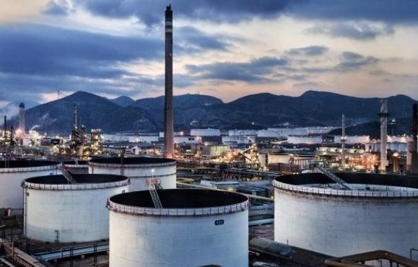 Las petroleras han invertido 8.000 millones en refinerías.