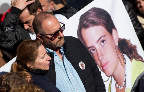 Concentración para que se repita el juicio de Marta del Castillo