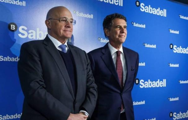 Oliu y Guardiola, presidente y CEO de Sabadell, renuncian al variable de 2020