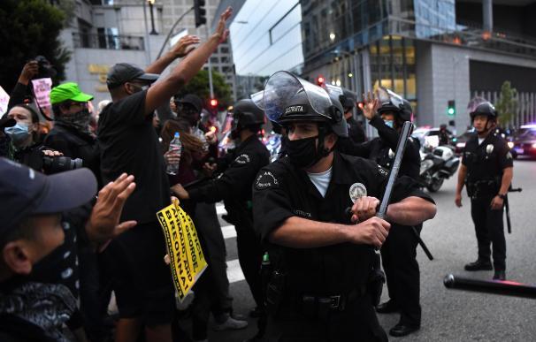 Periodistas denuncian asaltos y arrestos arbitrarios de la Policía de EEUU durante su cobertura de las protestas
