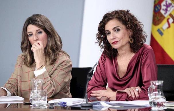 Fotografía Yolanda Díaz y María Jesús Montero / EFE