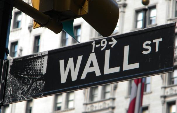 Wall Street revive la pesadilla bursátil de marzo por el Covid-19