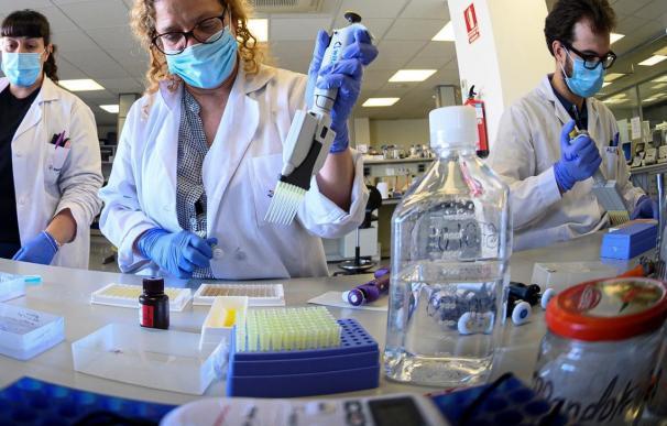 científicos ciencia coronavirus