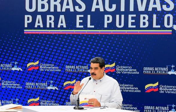 Fotografía cedida por el Palacio de Miraflores donde se observa al presidente venezolano Nicolás Maduro