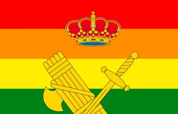 Guardia Civil y la bandera LGTB