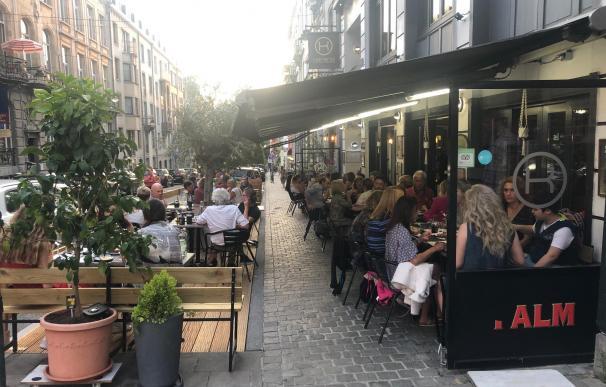 Las terrazas del barrio europeo de Bruselas se han vuelto a llenar en la nueva fase de desescalada