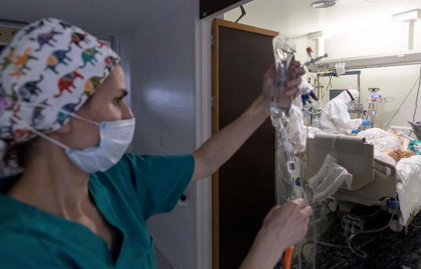 Enfermera en la UCI