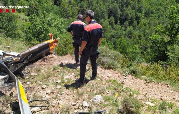 Fallecen dos personas tras estrellarse un helicóptero que reparaba tendidos en Fórnols