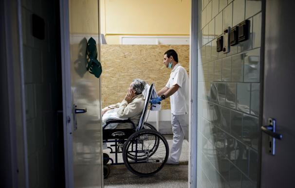 Un 7% de los ancianos en residencias han fallecido desde abril... y aún faltan datos
