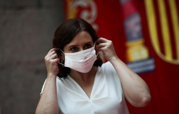 La presidenta de la Comunidad de Madrid, Isabel Díaz Ayuso durante la rueda de prensa este miércoles