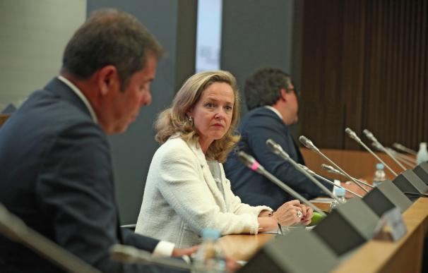 La vicepresidenta económica, Nadia Calviño, durante su intervención en la asamblea de Cepyme.