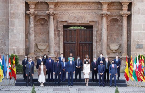 Fotografía de familia conferencia presidentes La Rioja