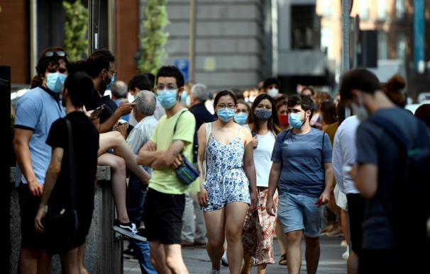 Madrid obligará al uso de mascarillas en cualquier lugar.