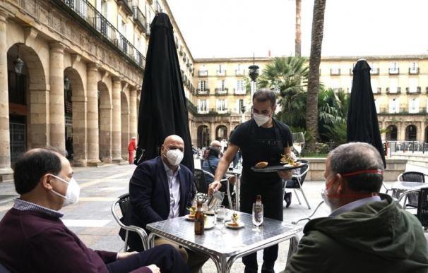 Coronavirus terraza España bar mascarillas