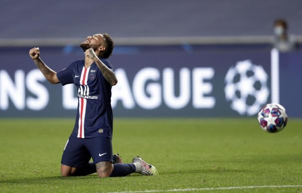El jugador del PSG, Neymar, celebra el pase a la final de la Champions de su equipo.