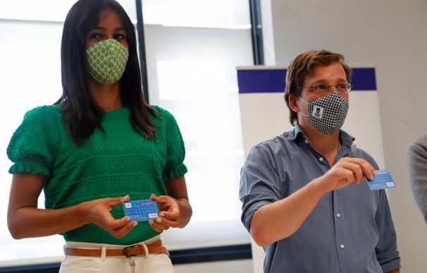 Madrid dará una tarjeta con más de 600 euros para los más vulnerables