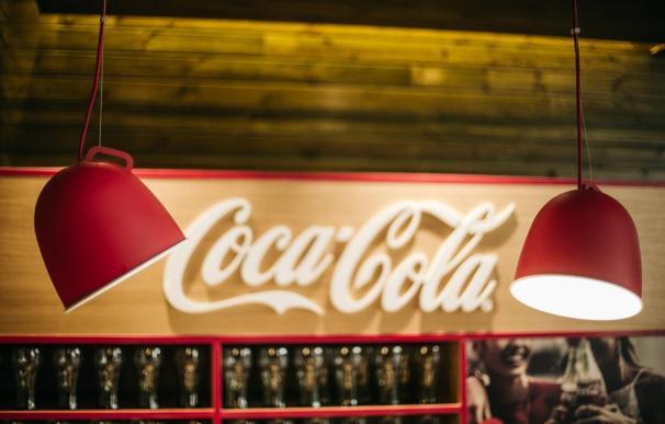 Coca-Cola anuncia una reestructuración y un ajuste de su plantilla