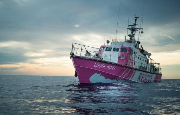 El grafitero 'Banksy' financia un barco de rescate de migrantes en el Mediterráneo