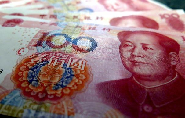 El yuan marca máximos del año frente al dólar y calienta la batalla comercial