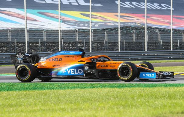 Monza (Italy), 06/09/2020.- Spanish Formula One driver Carlos Sainz of McLaren in action during the 2020 Formula One Grand Prix of Italy at the Monza race track, Monza, Italy 06 September 2020. (Fórmula Uno, Italia) EFE/EPA/Matteo Bazzi / Pool