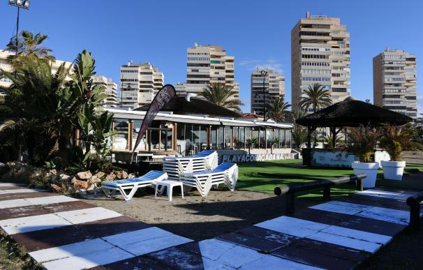 El 'salvavidas' de septiembre se hunde y aboca al cierre de los hoteles de la costa