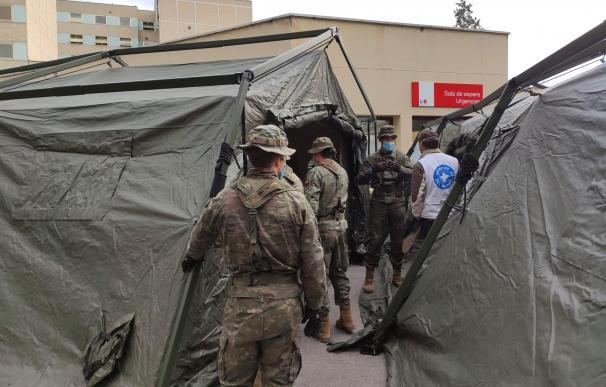 Hospitales públicos, militares... el virus desborda los puntos calientes de Madrid