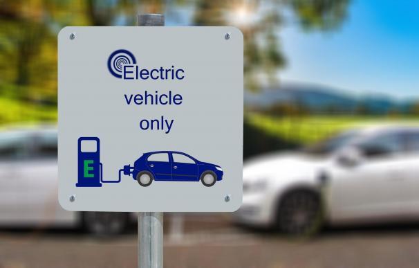 Podcast | Cómo subirse al 'boom' del coche eléctrico... al margen de Tesla