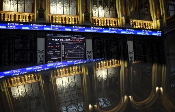 Vista general del Palacio de la Bolsa de Madrid con valores del Ibex, en Madrid, (España), a 2 de octubre de 2020.