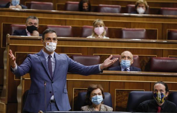 El presidente del Gobierno, Pedro Sánchez, en el Congreso, en una sesión de control.