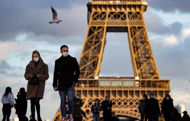 Coronavirus Francia mascarillas Torre Eiffell mundo