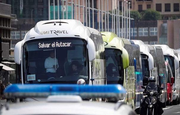 Manifestación de autobuses en San Sebastián