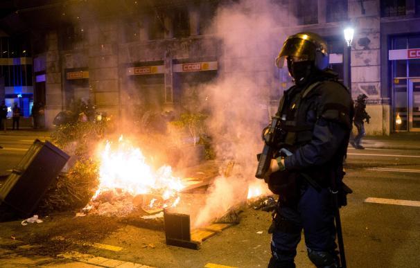La plaza de Sant Jaume y sus alrededores, escenario de enfrentamientos