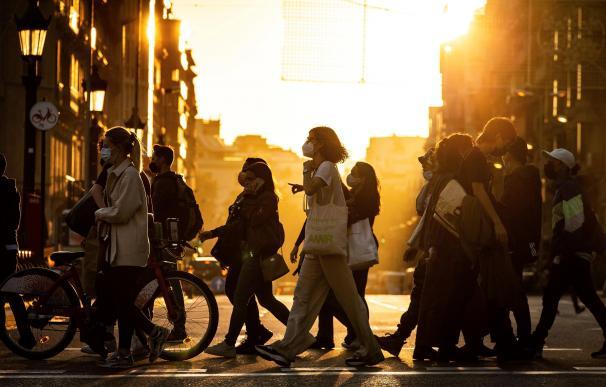 Ambiente en las calles del centro de Barcelona hoy lunes